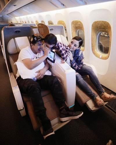 Berada Di Pesawat Menuju Dubai