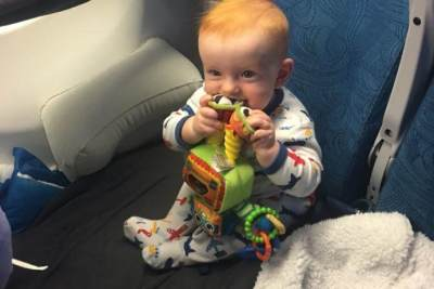 Flight Dengan Bayi? Ini Dia Tips Agar Bayi Tidak Menangis di Pesawat