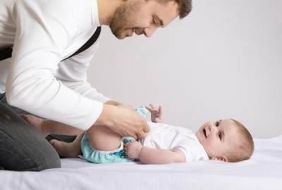 Ternyata Warna BAB Bayi Bisa Jadi Indikator Kesehatannya Lho Moms!