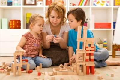 2. Bermain Bersama Anak
