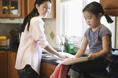 5. Berikan Tanggung Jawab Sesuai Usia Anak