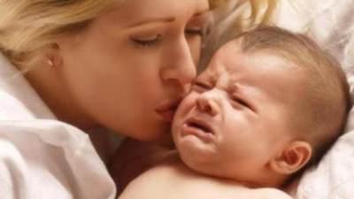 Menidurkan Bayi Tanpa Harus Digendong? Ternyata Bisa Moms!