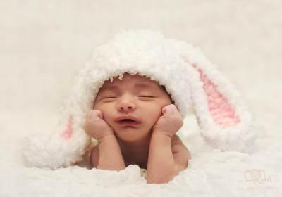 Moms, Cari Tahu Yuk Penyebab Bayi Rewel dan Bagaimana Cara Mengatasinya