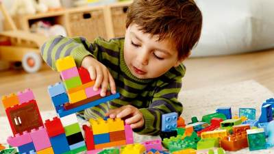 Ini 5 Ide Mengajak Anak Bermain di Rumah yang Seru Agar Betah di Rumah