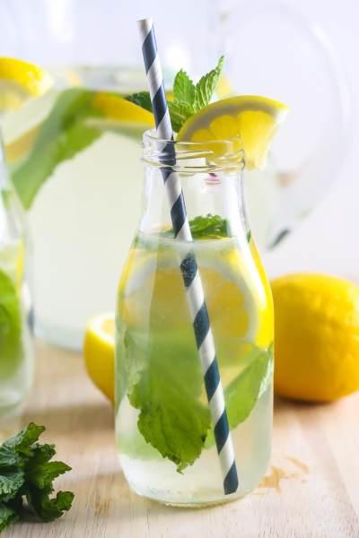 Segar! Ini 3 Minuman Buah Kelapa yang Cocok Untuk Ibu Hamil