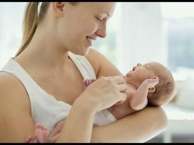 5 Hal yang Penting yang Harus Diperhatikan Saat Menggendong Bayi