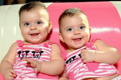 4 Alasan Mengapa Punya Bayi Kembar Itu Menyenangkan