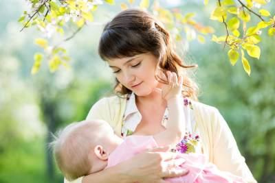 Jangan Stres Moms, Ini Cara Ampuh Untuk Menenangkan Bayi Menangis