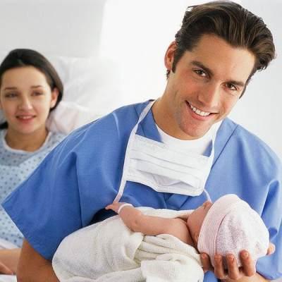 Dear Ayah, Ini Tips Menjadi Suami Siaga Setelah Persalinan