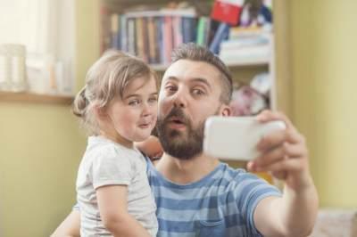 Hati-Hati! Jangan Pernah Upload 5 Jenis Foto Anak Ini Di Sosial Media