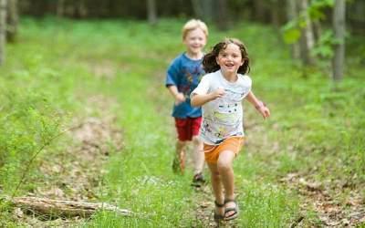 3) Melatih Anak untuk Aktif Bergerak