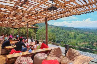 Moms, Ini Dia 6 Tempat Makan Untuk Nongkrong Bareng Anak Di Bandung