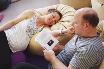 Moms, Ini Dia Step By Step Self Hypnobirthing di Rumah!