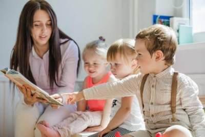 Moms, Pertimbangkan Hal Ini Sebelum Memutuskan Menitipkan Anak di Daycare