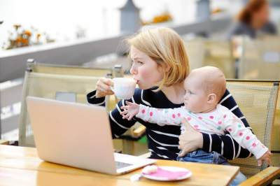 Nah, Ini Dia 5 Tips Mengatur Waktu untuk Para Ibu Blogger