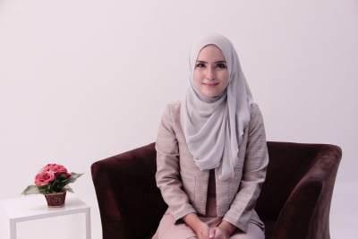 Inspirasi Gaya Baju Kerja Muslimah Syar'i agar Cantik dan Nyaman Seharian