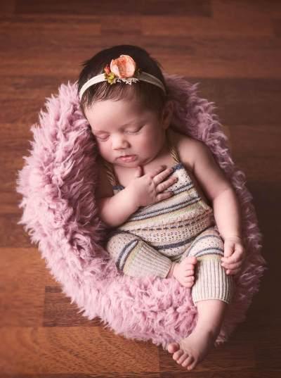 Moms, Ini Inspirasi Nama Anak Perempuan dengan 4 Makna yang Diawali Huruf C!