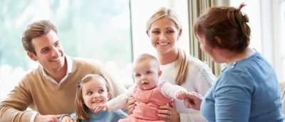 Moms! Ini Dia Tips Penting Merawat Bayi untuk Para Ibu Muda yang Bekerja