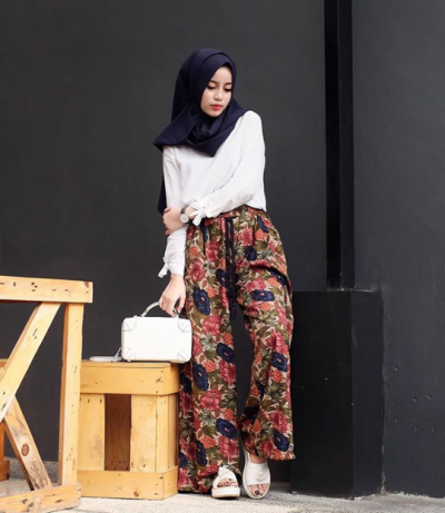 4. Floral Cullotes + Blouse