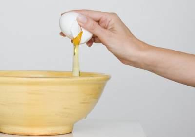 Manfaat Menakjubkan Putih Telur untuk Payudara, Moms Wajib Tahu!