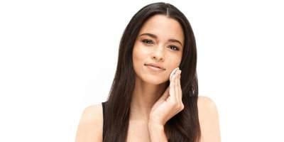 Menghapus Makeup & Kotoran dengan Efektif