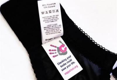 1. Baca Keterangan Label Sebelum Mencuci