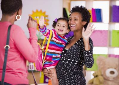 2. Hindari Menitipkan Anak