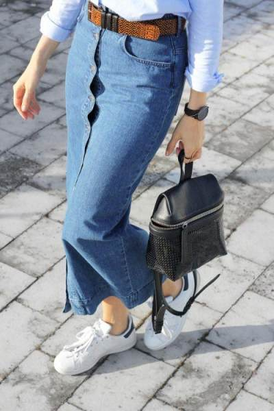 Skinny Jeans Skirt with White Sneakers
