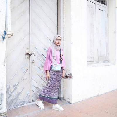 Ethtic Skirt with White Sneakers
