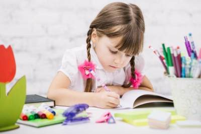 Visual, Auditori atau Kinestetik, yang Mana Gaya Belajar Anak Moms?