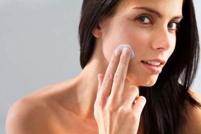 Sssstt, Jangan Asal Pilih! Ini 4 Kandungan Makeup yang Nggak Aman Buat Bumil