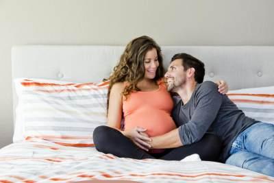 #FORUM Moms, boleh nggak sih berhubungan intim saat hamil?