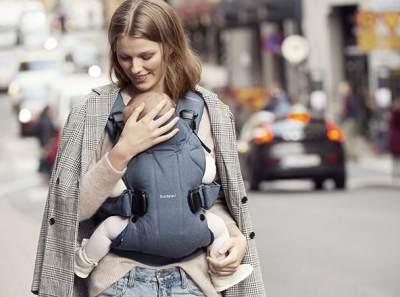 Biar Nggak Keliru, Ini Fakta Penting Menggendong Bayi di Depan