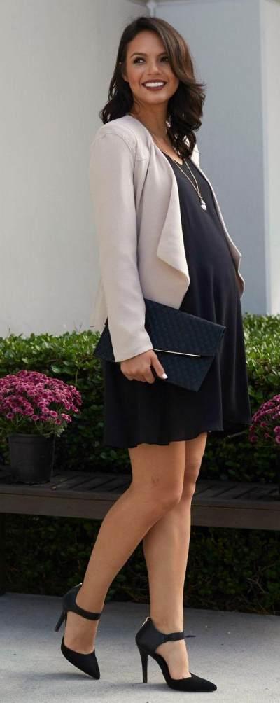 Cantik dan Modis, Baju Kantor yang Nyaman untuk Ibu Hamil Ini Wajib Kamu Coba