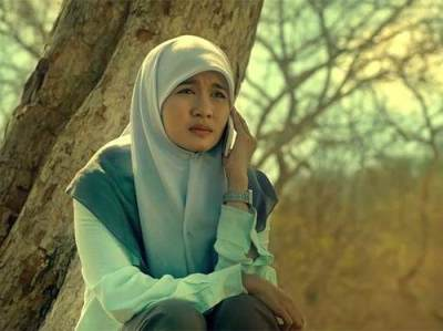 Beda Banget, Ini Dia Perkembangan Style Hijab Indonesia Zaman Dulu VS Zaman Sekarang!
