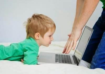 4. Batasi Situs yang Diakses Anak