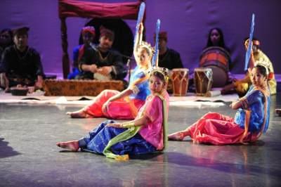 #FORUM Latihan tari tradisional di Tangsel