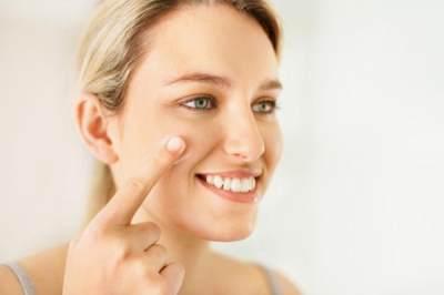 Buat Ibu Hamil, Ini 5 Cara Memakai Make Up Minimalis Saat Hamil!