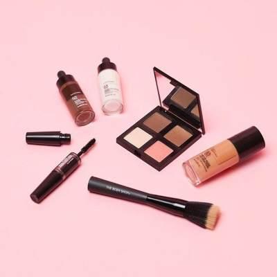 Moms, Ini Daftar Rekomendasi Makeup yang Aman Bagi Ibu Hamil