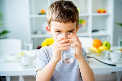 1. Jaga Agar Anak Terhidrasi