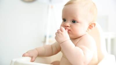 Bayi Tersedak? Jangan Panik! Segera Lakukan Pertolongan Pertama Ini