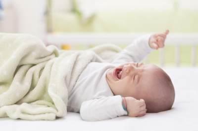 Catat Baik-Baik Moms, Ternyata Ini 3 Tanda Jika Bayi Merasa Lapar