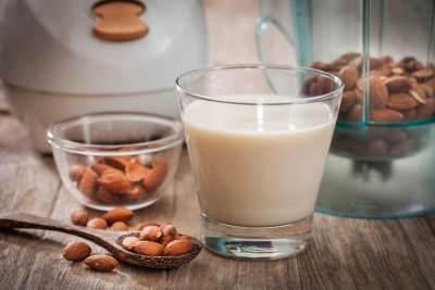 #FORUM Bolehkah susu almond diberikan pada bayi?