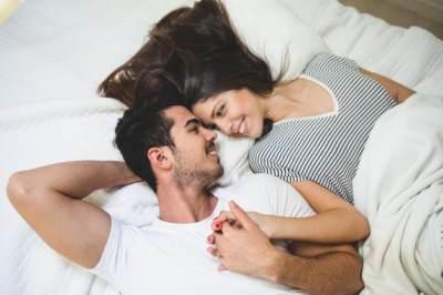 #FORUM Hubungan intim, lebih asik terjadwal atau spontan?