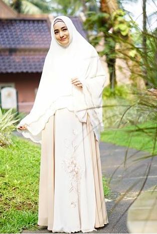 5 Artis Indonesia Ini Makin Cantik dengan Hijab Syar'i