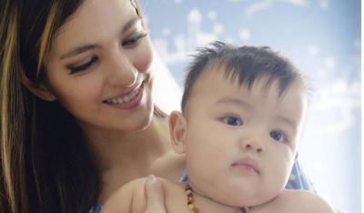 8 Foto Potret Kebersamaan Ibu Muda Artis dan Bayinya, Duh Gemas Banget!