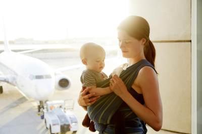 Persiapan Mudik Jalur Udara, Ini Tipsnya Agar Bayi Tak Rewel di Pesawat