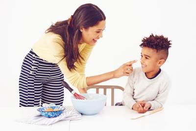 Moms, Biasakan Anak Untuk Berani Meminta Maaf dengan Cara Ini