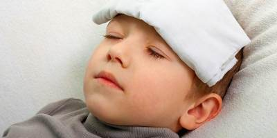 Menurunkan Panas Demam Anak Tanpa Obat? Bisa Kok Moms, Begini Caranya!
