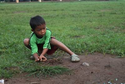 Seru dan Mendidik, Ini Permainan Tradisional Jawa Timur yang Moms Bisa Ajarkan Pada Anak